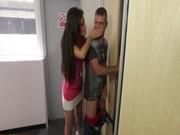 Смотреть парень трахнул сестру жены видео