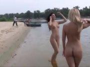 На пляже ебутся нудисты