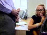 Трахнул молодую секретаршу видео